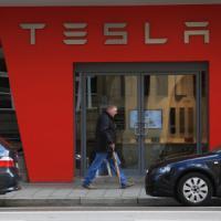 """Elon Musk: """"C'è una novità in arrivo"""". Forse una 'batteria' green per la casa"""