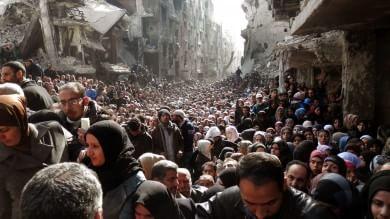 Siria, l'Is arriva a Damasco   mappa   Preso campo profughi palestinese