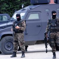 Turchia, assalto alla sede di polizia di Istanbul: uccisa donna, due agenti feriti