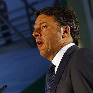 Def, Renzi rinvia il Consiglio a questa sera. Spunta un bonus da 1,5 miliardi