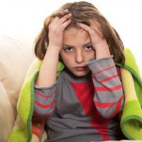 Mal di testa dei bambini: diagnosi in ritardo, basterebbe un diario sui segnali d'allarme