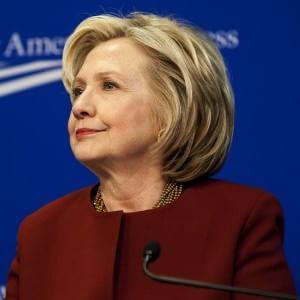 """Hillary Clinton si candida alla Casa Bianca: """"Voglio essere la prima presidente Usa"""""""