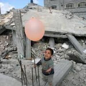 L'abbandono di Gaza, 100.000 i senza tetto, 19.000 case distrutte e nessuna ricostruita