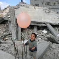 L'abbandono di Gaza, 100.000 i senza tetto, 19.000 case distrutte e nessuna