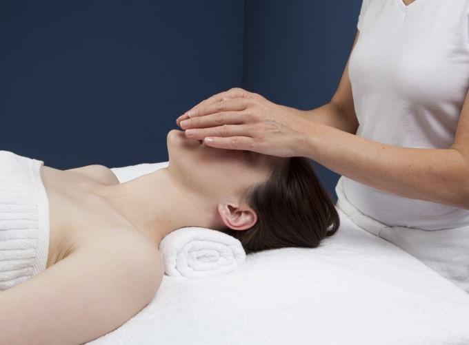 Chirurgia e dolore, l'ipnosi si fa strada in sala parto e dal dentista