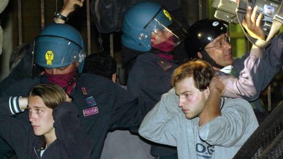 """Bagnasco alla polizia: """"Non cedere a ombre"""". Tortosa: """"Alla Diaz il mio gruppo non torturò"""""""