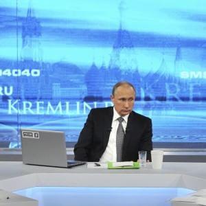 Ucraina, ucciso giornalista filorusso a Kiev. È il terzo omicidio politico in 24 ore. Lo sdegno di Putin