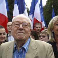 """Francia, Jean-Marie Le Pen operato al cuore: """"Sto bene, la bestia è solida"""""""