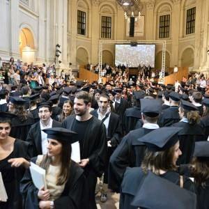 Basta ricercatori precari e largo ai giovani: in cattedra il Jobs act dell'università