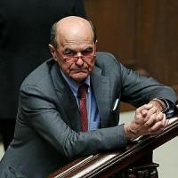 """Riforma del Senato, Bersani a Renzi: """"Scopri le carte"""". Il premier: """"Nessuno scambio"""""""