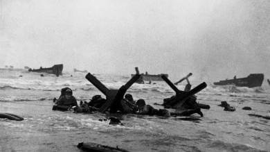 """La Seconda Guerra Mondiale:   Le macerie da cui nacque l'Europa   Video  Zucconi: """"Io figlio del conflitto"""""""