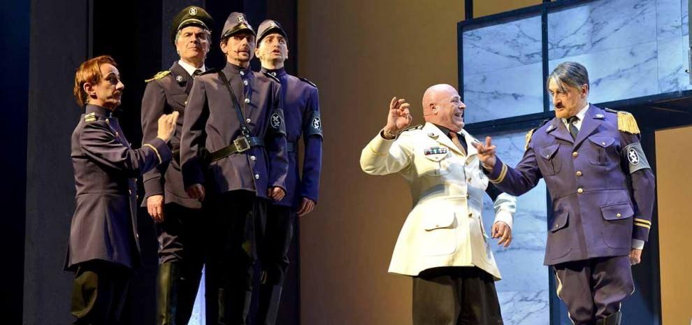 """""""Il Grande Dittatore"""" di Chaplin per la prima volta a teatro con Massimo Venturiello"""