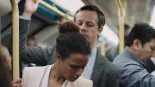 Molestie, ''Tu lo denunceresti?'' La campagna sui mezzi pubblici