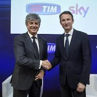 La pay-tv corre sul filo Tim-Sky