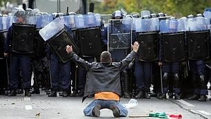 Da Tienanmen a Syntagma Manifestanti soli contro tutti