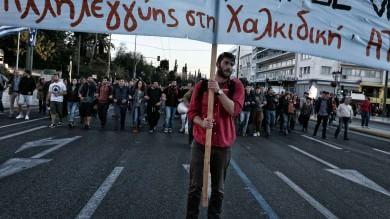La Grecia senza soldi spaventa le Borse   spread vola  a 146, al top da novembre