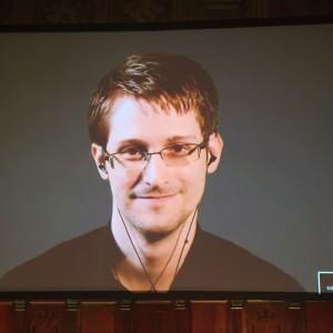 """Snowden: """"Dopo Charlie Hebdo sempre più sorvegliati. Rischiamo il più grande sistema di oppressione della storia"""""""