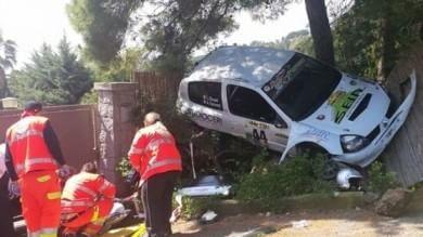 Rally dell'Elba, auto si ribalta in curva feriti 2 spettatori, uno gravissimo   audio