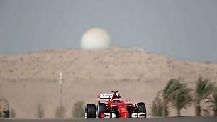 Hamilton ancora in pole Ma Vettel è accanto a lui Partenza prevista alle 17   MotoGp , Rossi indietro il via stasera alle 21