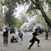 Afghanistan, Is rivendica attentato a Jalalabad: 33 morti e oltre 100 feriti