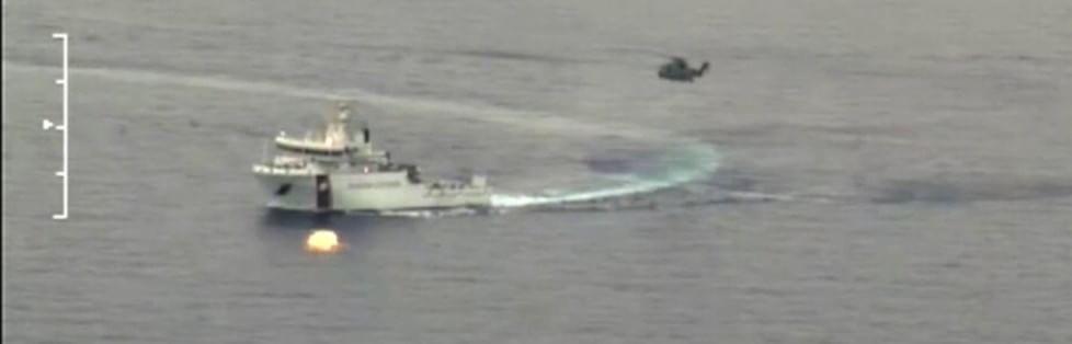 Barcone di migranti affonda nel Canale di Sicilia -  Le prime immagini   si temono oltre 700 morti: è la tragedia più grave di sempre -   mappa