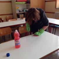 Roma, pulizie di Pasqua: una domenica a scuola per i genitori