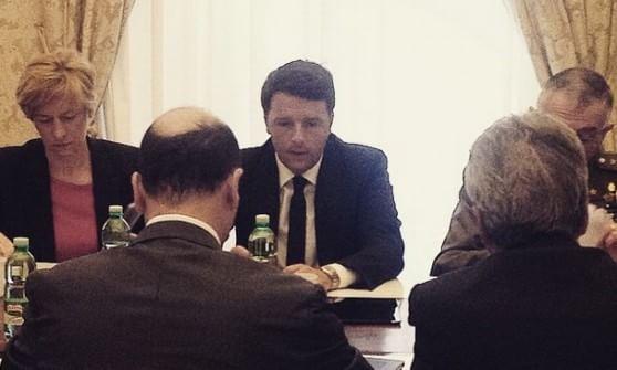"""Strage migranti, Renzi chiede Consiglio Europeo straordinario: """"L'Italia lavora in solitudine"""""""