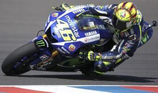 MotoGp, Rossi domina in Argentina, Marquez Ko nel duello finale