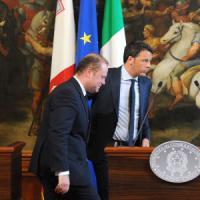 """Migranti, Renzi: """"Interventi mirati contro schiavisti"""". Giovedì consiglio straordinario Ue"""