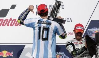 """MotoGp, Rossi: """"Una vittoria speciale"""". E Maradona lo ringrazia"""