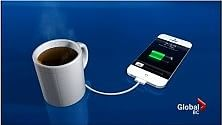 Il telefono si ricarica con the e caffè... Grazie alla tazza raccogli calore