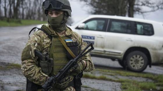 """Arsenij Yatsenjuk: """"L'Ucraina è al disastro. Putin arma ancora i ribelli, l'Occidente deve fermarlo"""""""