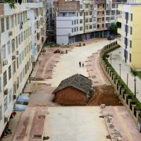Cina, le case che resistono alle demolizioni