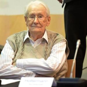 "Germania, contabile di Auschwitz chiede perdono: ""Sapevo di camere a gas"""