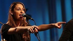"Anna Tatangelo canta i Doors la cover di ""Light my fire"""
