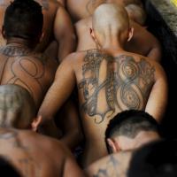 El Salvador, le gang e i loro tatuaggi: nel carcere l'incontro fra rivali