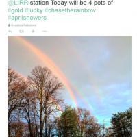 New York, spettacolo unico: quattro arcobaleni nel cielo
