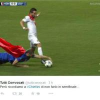 Monaco-Juventus: mano di Chiellini, l'ironia sui social
