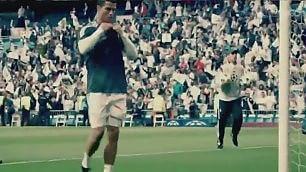 Pallonata e maglia per scusarsi Ronaldo commuove il piccolo fan