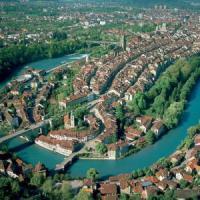 Reddito alto, politici onesti, società inclusiva: gli svizzeri sono i più felici, italiani...