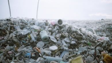Maldive, turismo e niente inceneritori: un'isola si trasforma in discarica