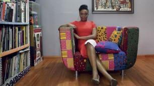 Adichie, femminista  , parla di   Boko Haram, razzismo, parità