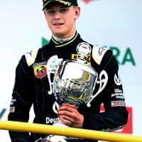 Formula 4, debutto con nono posto per il figlio di Schumacher