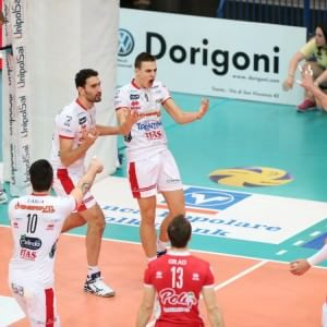 Volley, Superlega: Modena fatica ma batte Latina. Vince anche Trento