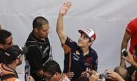 Marquez si frattura il mignolo  operato, ma in Spagna ci sarà