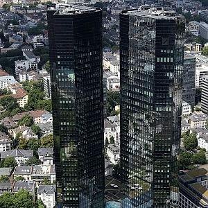 Crolla l'utile di Deutsche Bank dopo la maxi multa per Libor
