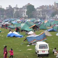 Terremoto in Nepal: a Kathmandu una tendopoli per migliaia di sfollati
