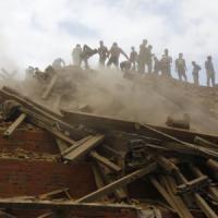 Terremoto in Nepal: i morti sono più di 3.600. Due italiani uccisi da una frana, 5...