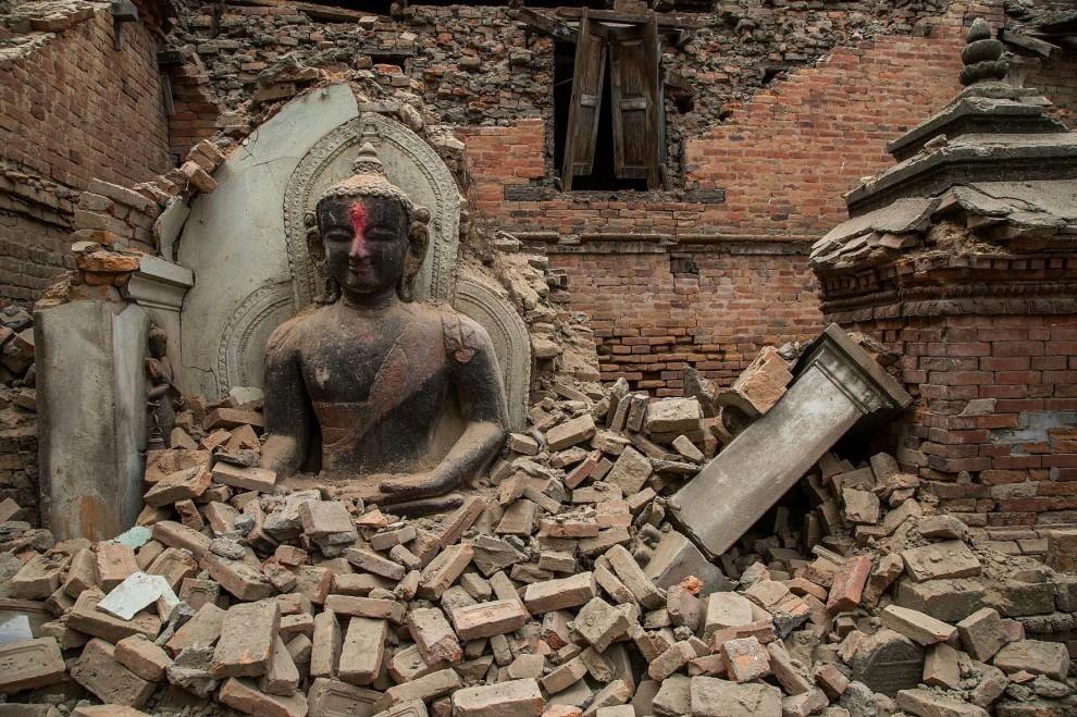 Nepal, templi e centri storici danneggiati dal terremoto