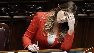 """Italicum, lettera del premier al Pd """"In gioco dignità e futuro del partito"""""""